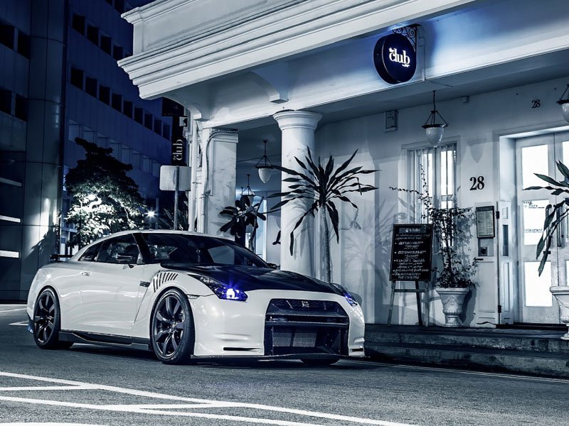 Beyaz Modifiyeli Nissan GT-R R35 wallpaper